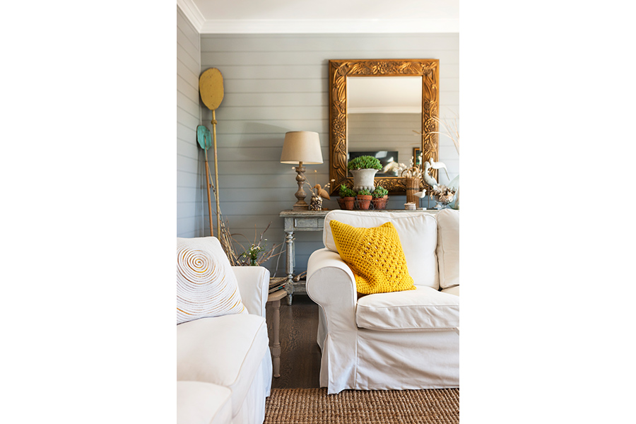 Our eclectic interior styling service makes this Pool House a welcoming abode.